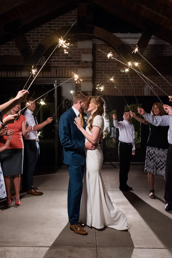 wedding-engagement-picture-ideas