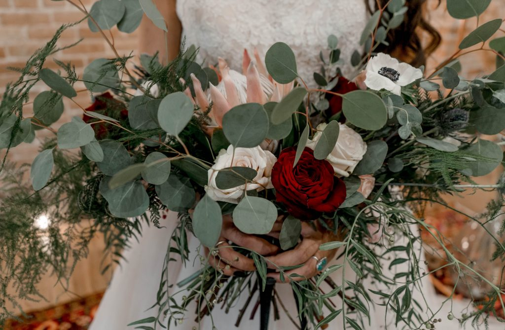wedding flower traditions